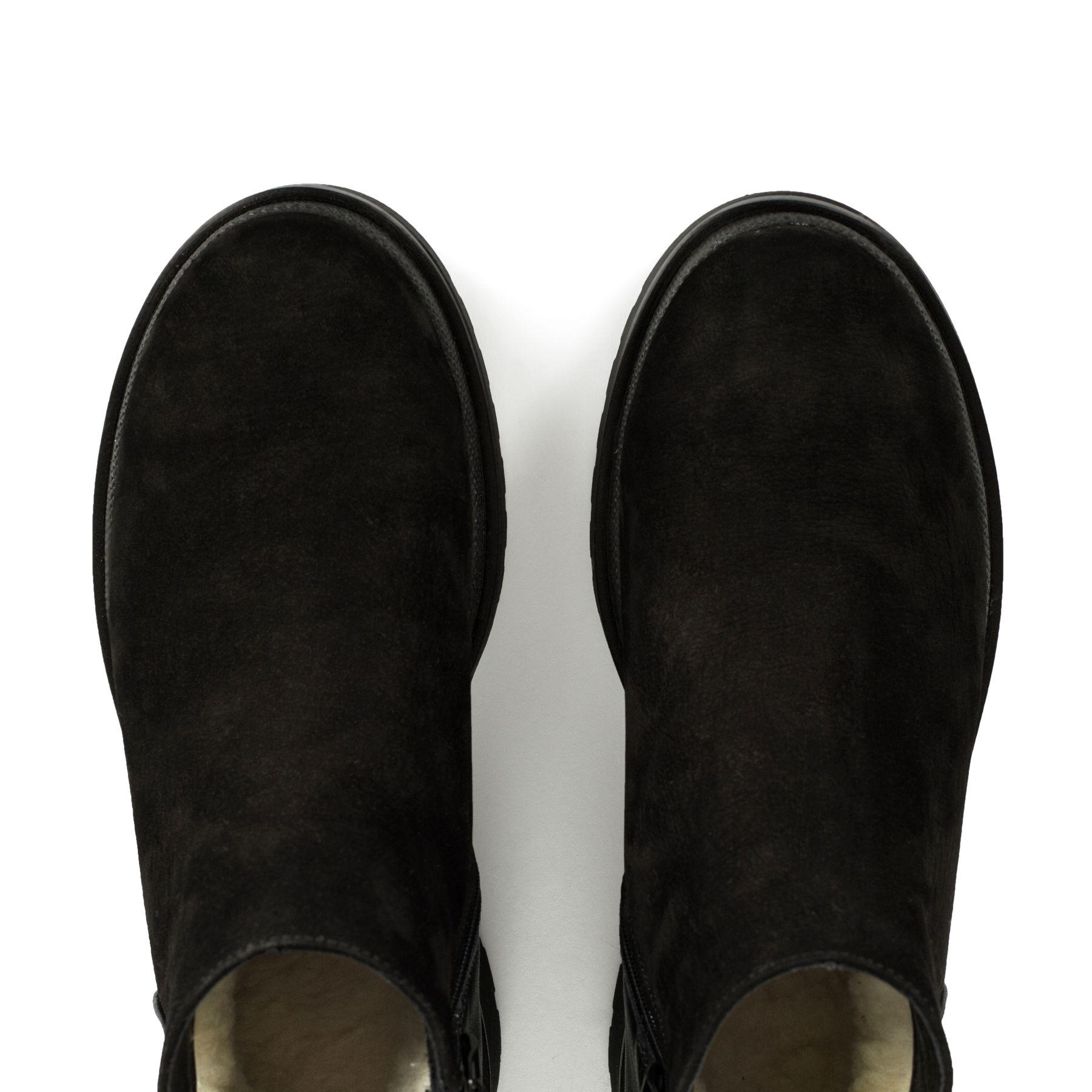 Короткі черевики з нубуку купити в інтернет-магазині Wladna ... 53d32b121b017